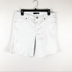 1822 White Stretchy Denim Shorts Sz 14